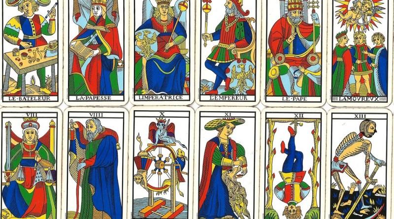 Analisi delle carte dei tarocchi: storia, simbologia e divinazione