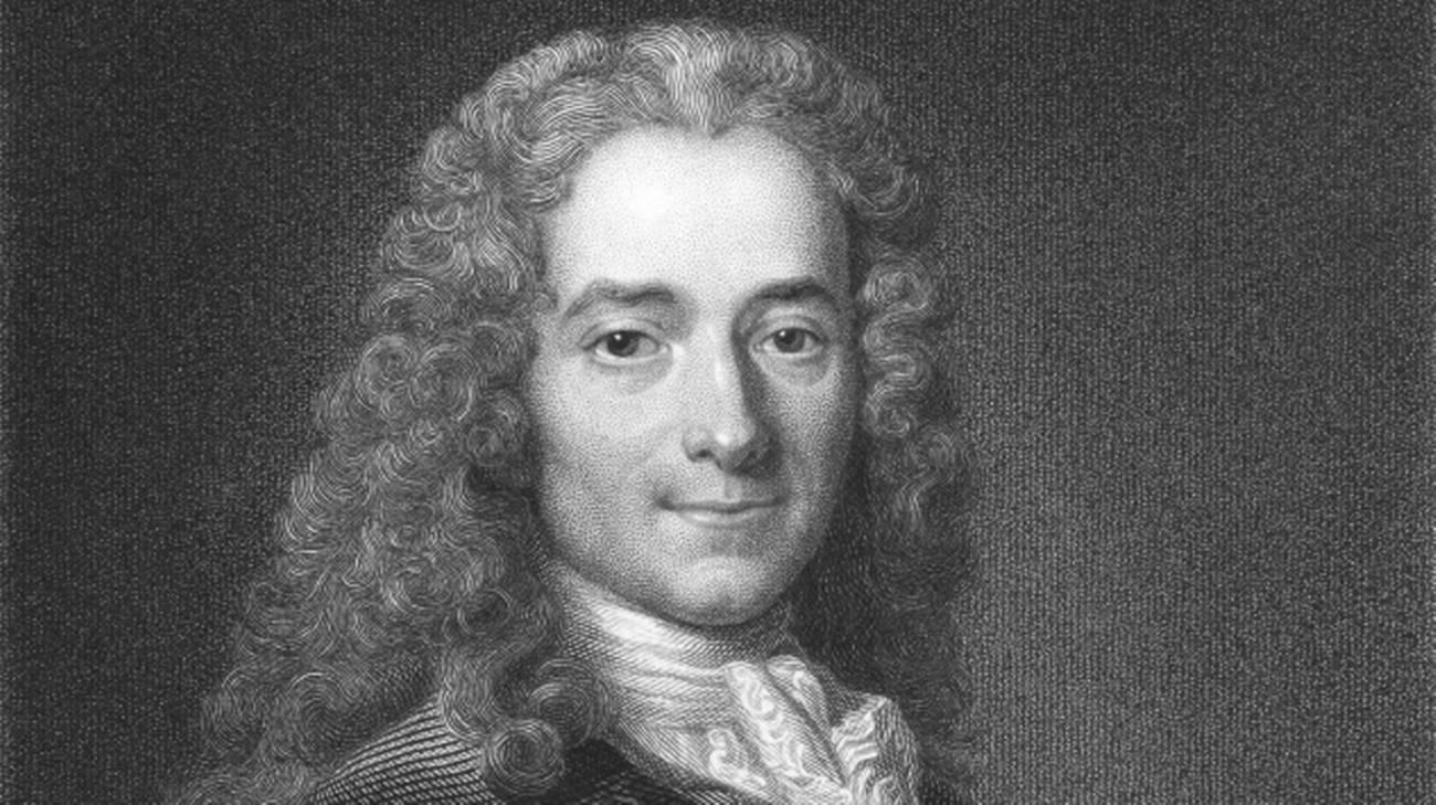 La sconfitta di Voltaire: come una citazione (sbagliata) ha cambiato (in peggio) il mondo