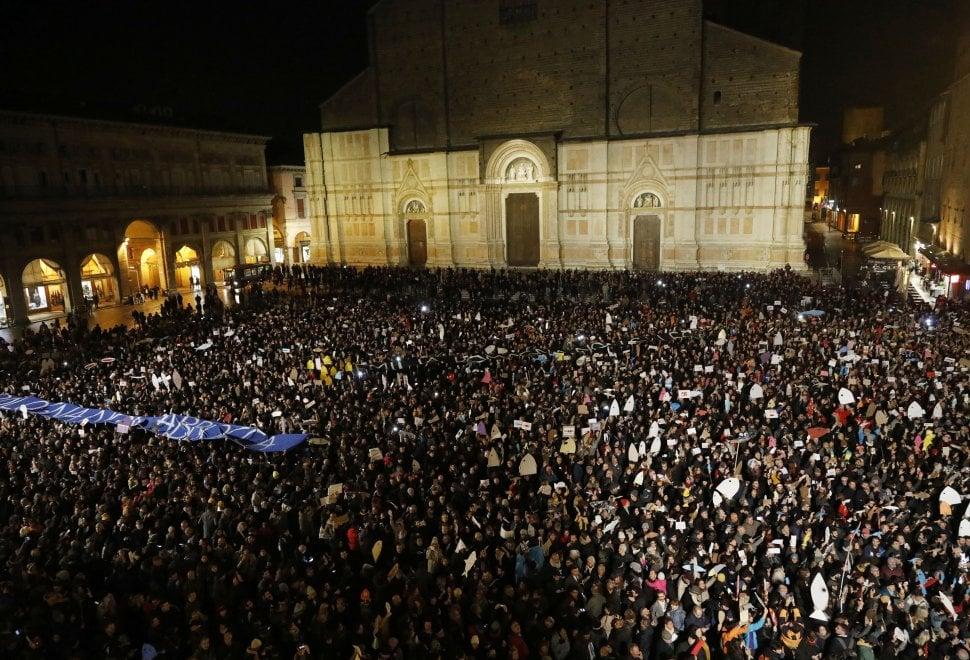 Sardine contro Salvini, la vera sfida dell'Emilia-Romagna