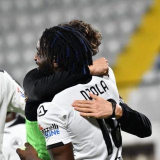 M'Bala Nzola, calciatore e trascinatore dello Spezia Calcio. Foto: twitter.com/acspezia