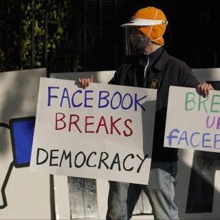 Facebook monopolio illegale
