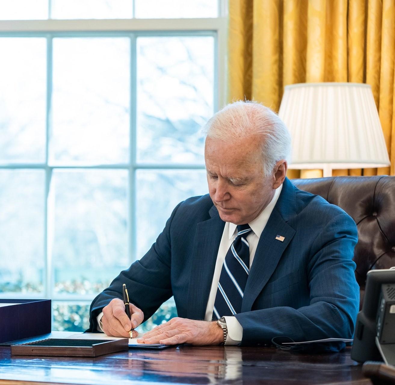 Il piano vaccinale di Biden: cento milioni in cento giorni