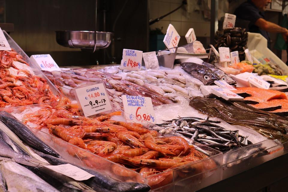 Come evitare frodi alimentari al banco del pesce