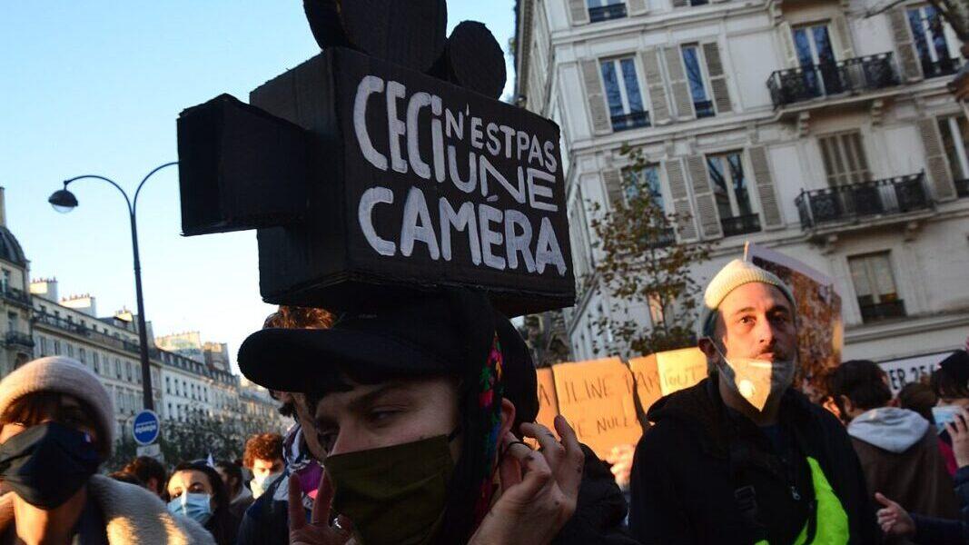 In-sicurezza globale: il senato francese approva la legge