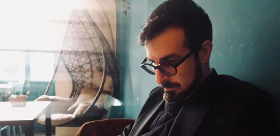 """""""Una messa in scena posticcia"""": intervista all'autore Valerio Carbone"""