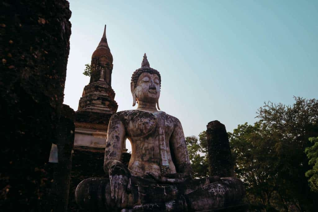 best-cities-to-visit-in-Thailand-Wat-Trapang-Ngoen-Sukhothai-Temples-and-Treehouses