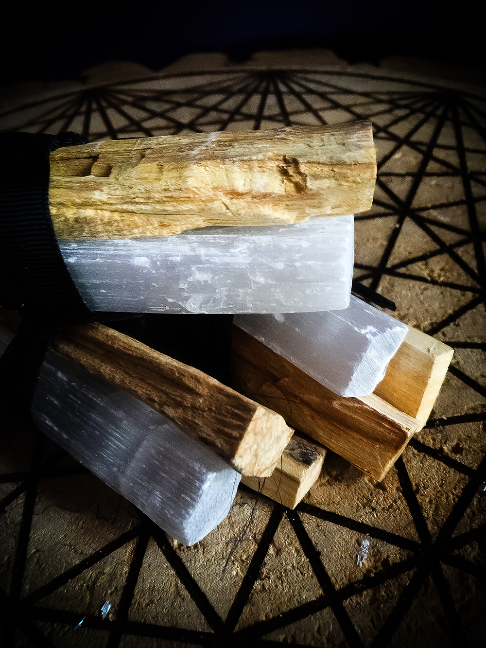 Palo Santo Selenite Smudge Bundle