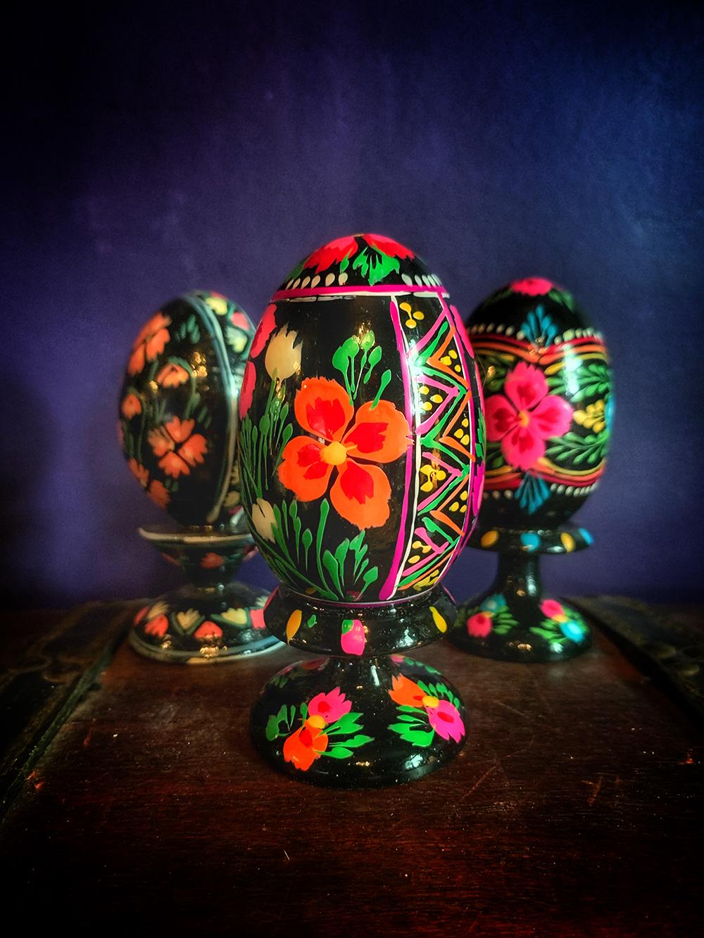 Pysanka Ukrainian Wood Egg & Stand Vintage