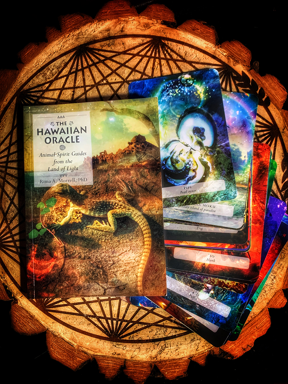 The Hawaiian Oracle: Animal Spirit Guides from the Land of Light