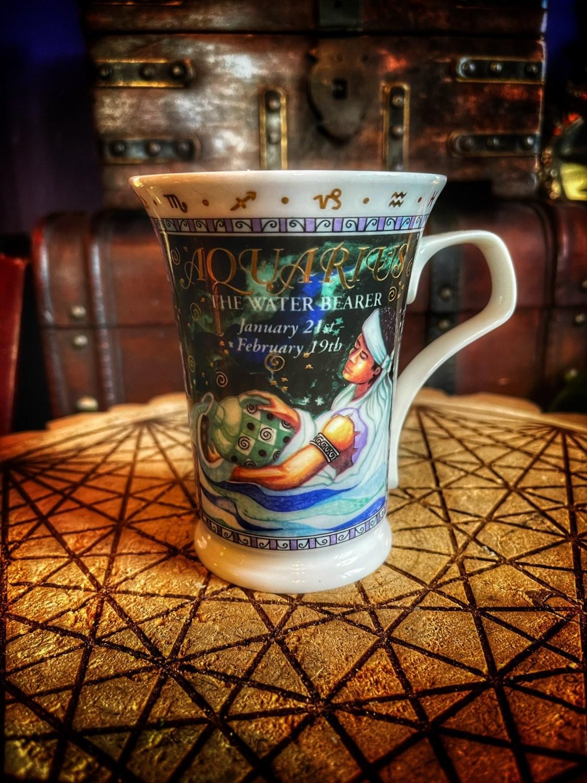 Aquarius Vintage Zodiac Mug Candle