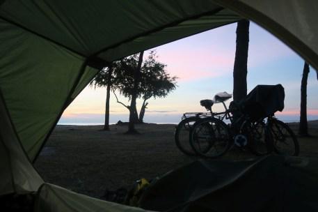 Sonnenaufgang im Zelt