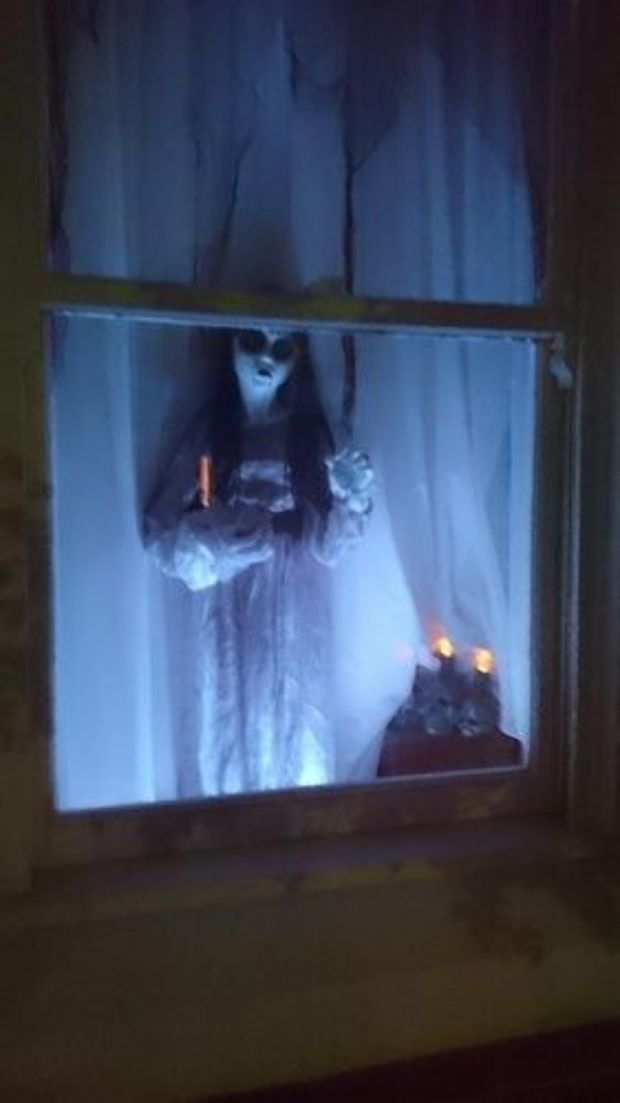 35 Scary Outside Halloween Ghost Decorations Ideas