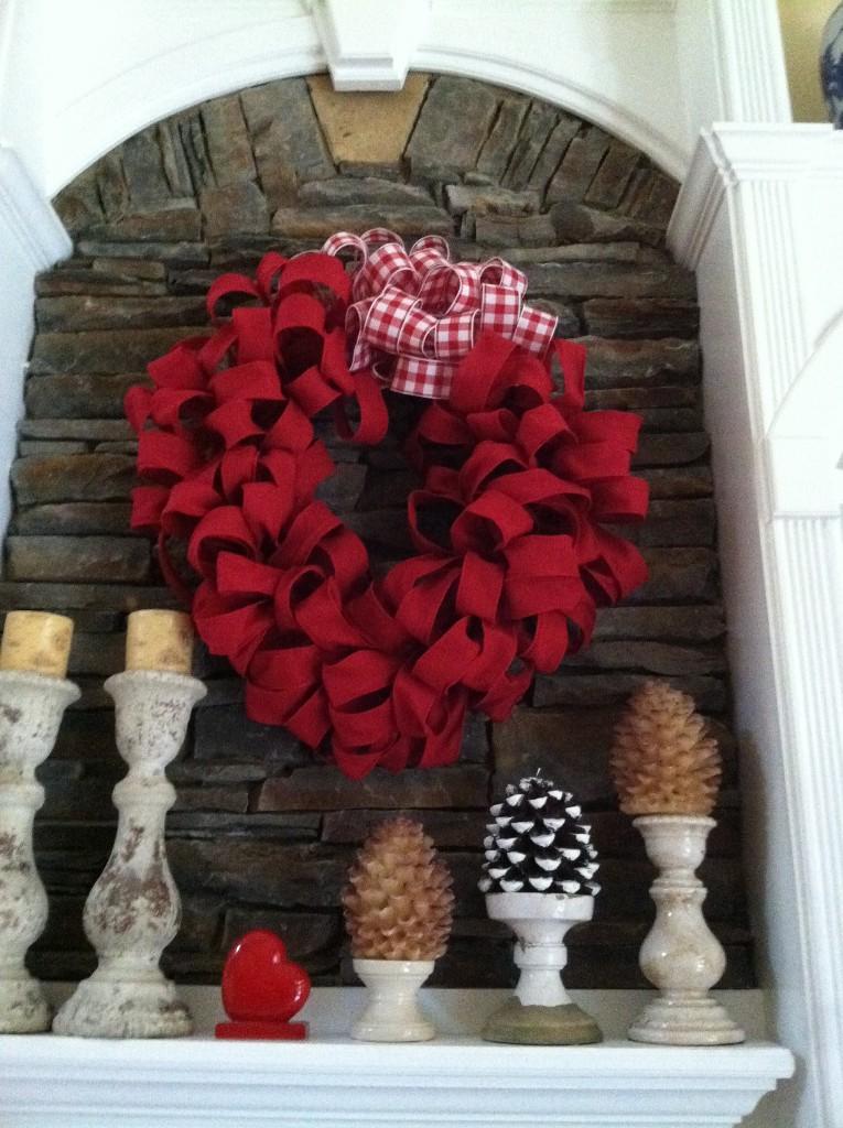 25 Valentine S Day Fireplace Decor Ideas