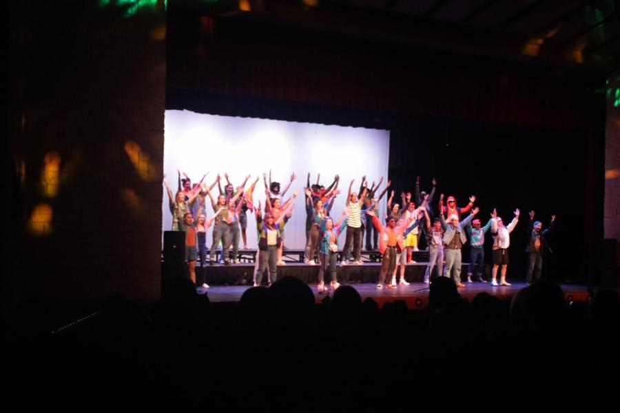 The+choir+concert+was+held+in+the+auditorium.