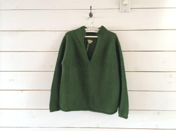 chahat 緑のセーター