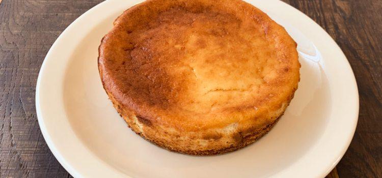 8月「バナナチーズケーキ」ご予約承ります