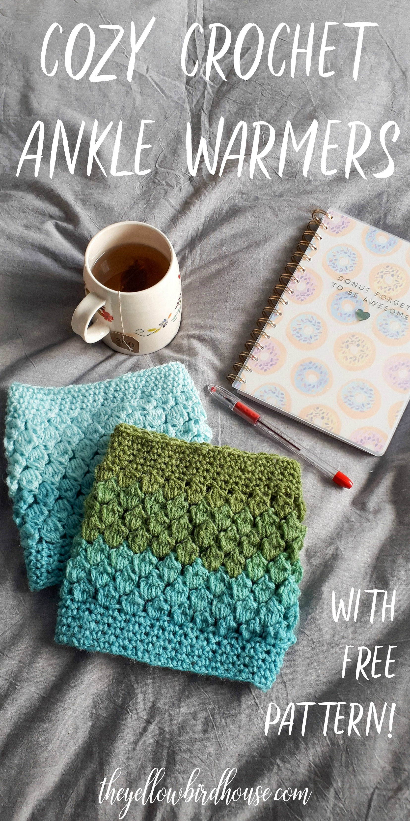 The coziest crochet ankle warmers with free pattern! This free diy works up quickly and will keep you toasty warm over the winter months. These crochet ankle warmers also make a great gift. Free tutorial for crochet leg warmers.