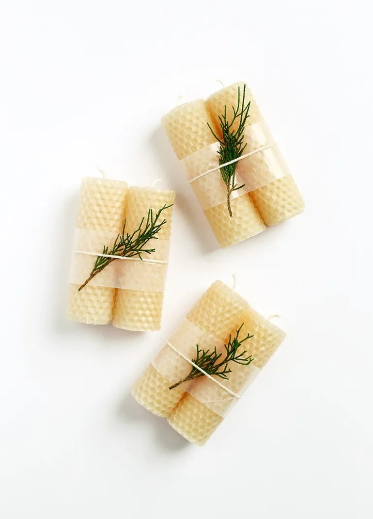 25 Christmas gift ideas, rolled beeswax candles