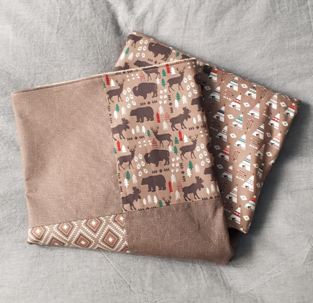 How to sew a baby blanket. This simple DIY patchwork baby blanket can be completed in 2 hours!