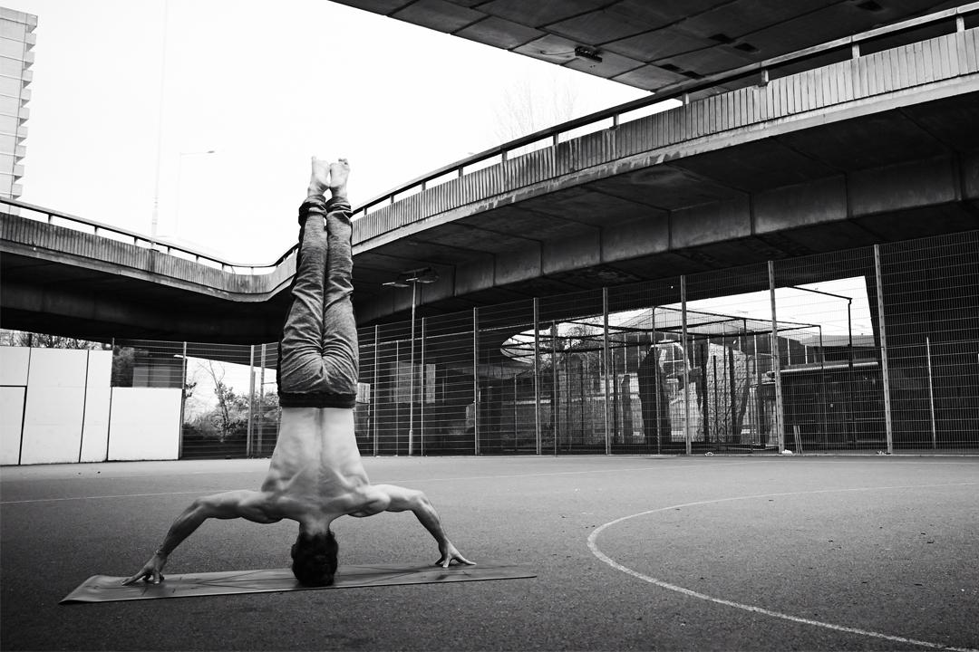Adam Husler Yoga London Männeryoga