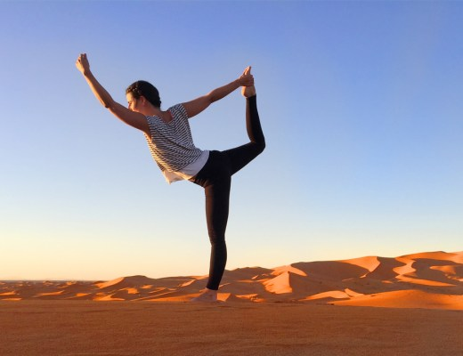 Hand aufs Herz Demut vor dem Leben Achtsamkeit Dankbarkeit Reisen Mindfulness Gratitude