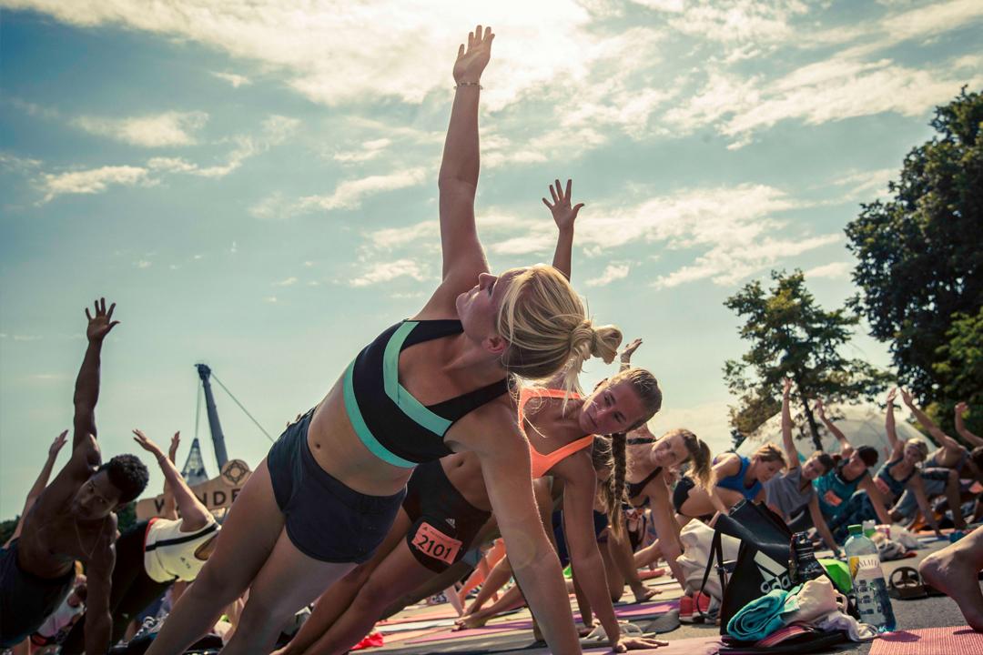 Wanderlust 108 in Berlin Verlosung September Mindful Triathlon Yoga Running Laufen Meditation Curse Mady Morrison