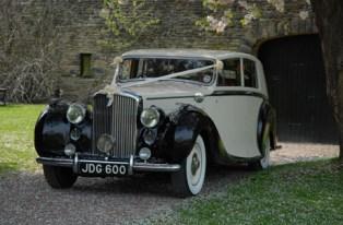 1950 Bentley on location 4 - vintage wedding car