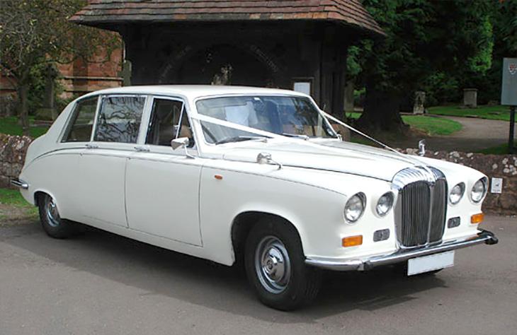 Daimler Limousine - Large Traditional Wedding Car