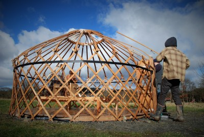 Yurt raising 2016