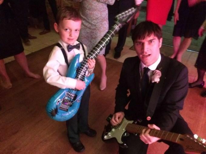 kid friendly wedding band, band for wedding with kids, wedding band in tetbury