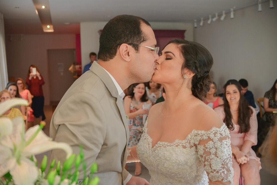 mini-wedding-thais-e-leandro-em-casa-de-moa-10