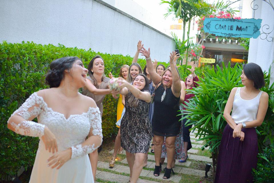 mini-wedding-thais-e-leandro-em-casa-de-moa-24