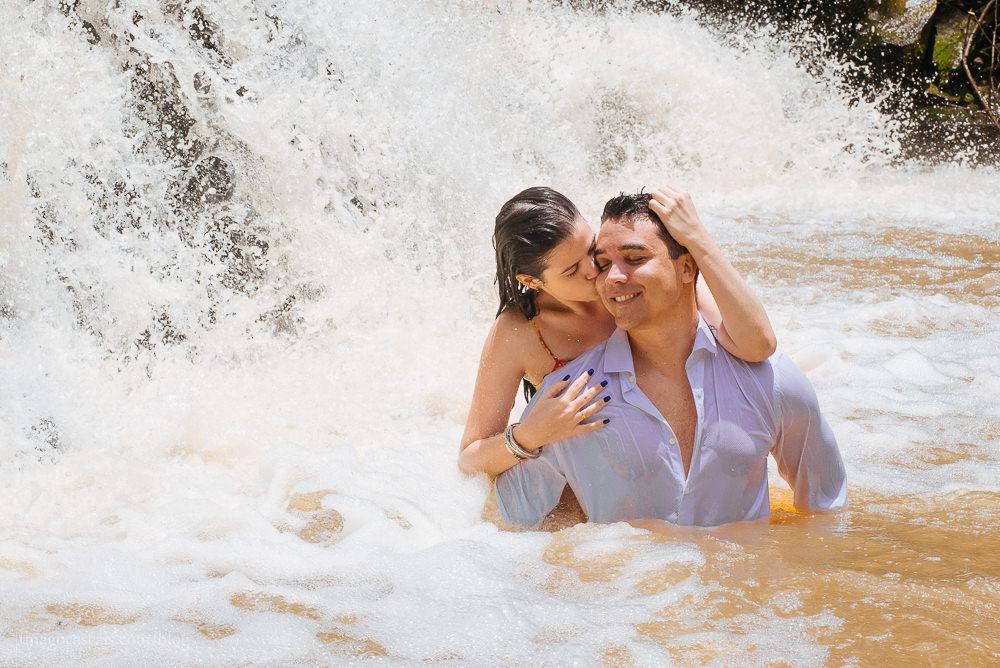 e-session-ensaio-de-casal-em-parque-das-cachoeiras-em-guaramiranga-19