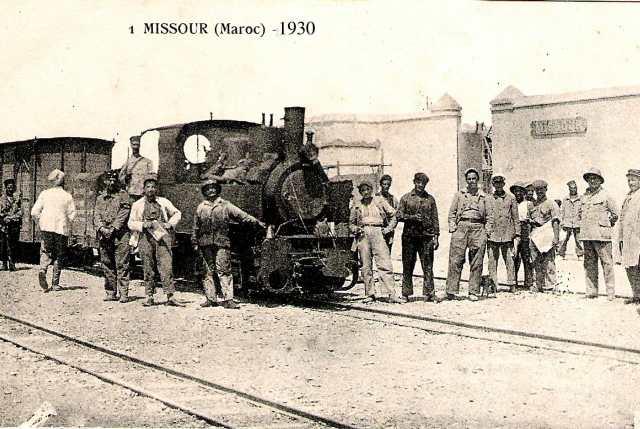 le train à Missour sur une photo de 1920