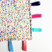 See how I sewed this taggy comfort blanket!