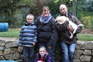 Balu bleibt ganz in der Nähe in Bielefeld bei Isabel und Nils mit ihren Kindern.