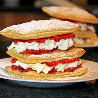 Mid week quick dessert – Strawberry Mille Feuille