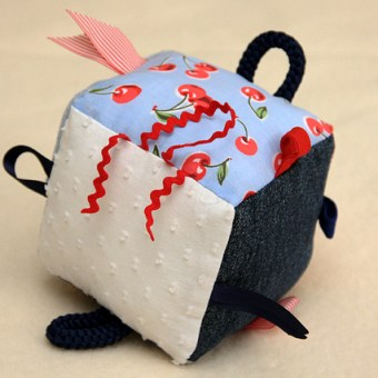 Tag Cube Soft Toy – Tutorial