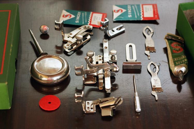 Singer 201K accessories
