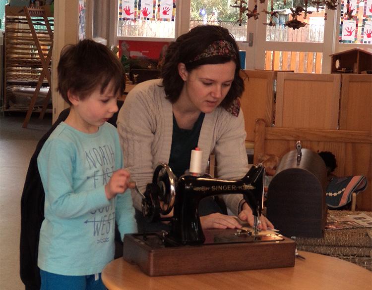 vintagesewingmachine
