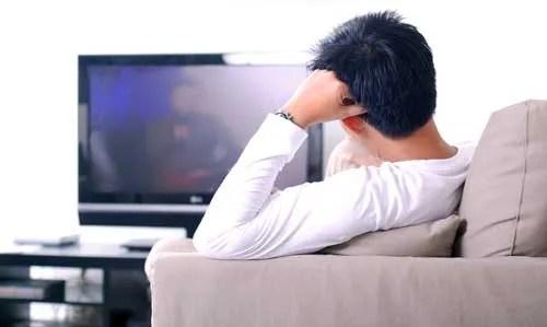 Stare davanti alla TV