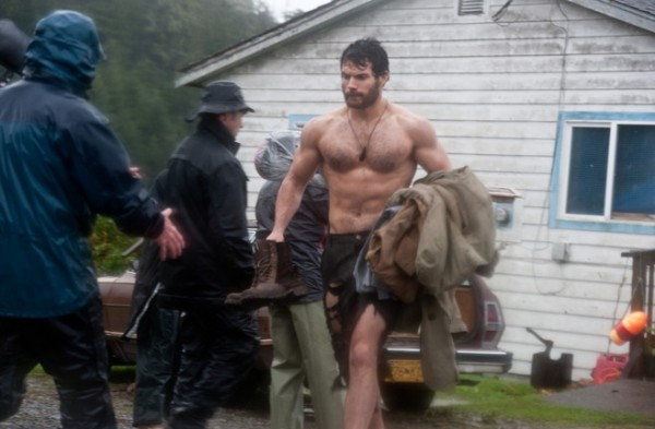 https://i2.wp.com/www.thinkhero.com/wp-content/uploads/2011/10/superman-man-of-steel-henry-cavill-set-photo-021-600x393.jpg