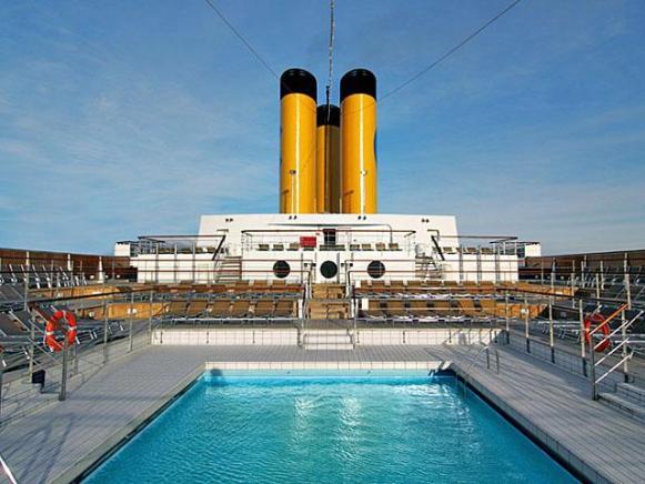 Swimming Pool on Costa Cruises.