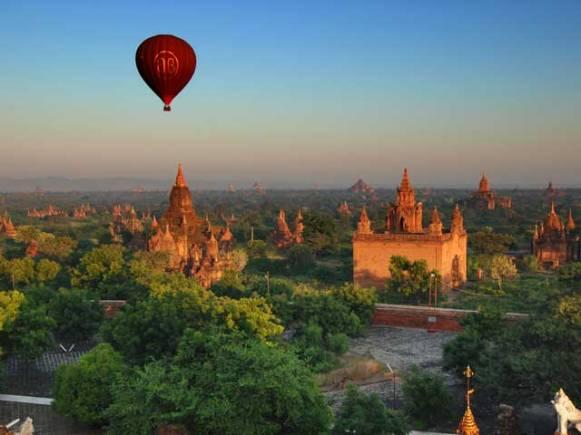 ballooning over bagan.
