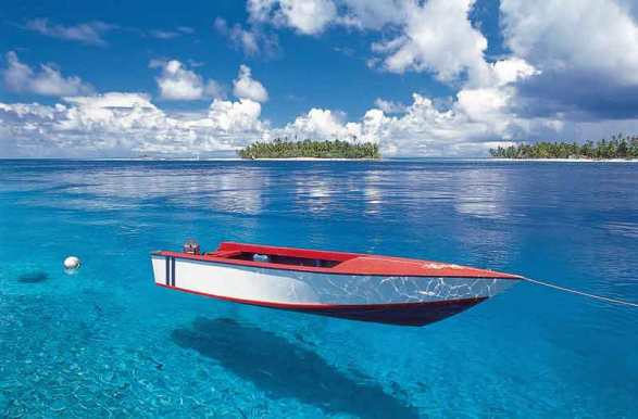 Almost surreal colors and clear waters in French Polynesia.