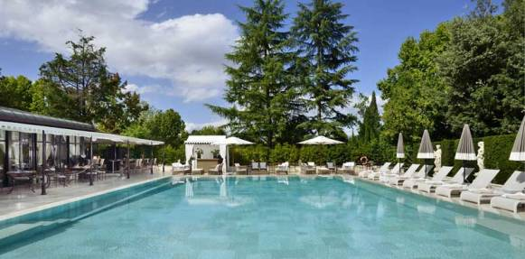 The heated outdoor pool at Villa Cora in Florence.