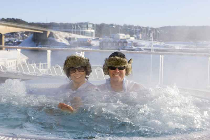 The outdoor Jacuzzi at Bluewater spa in winter.