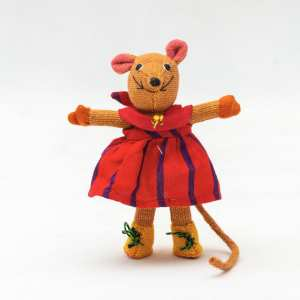 Barefoot Mouse (large girl)