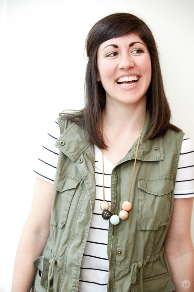 DIY-Painted-Bead-Necklace-from----Hallmark-_-thinkmakeshareblog