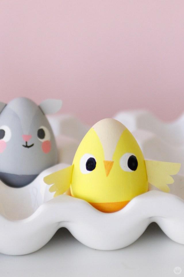Painted Easter Chick | thinkmakeshareblog.com